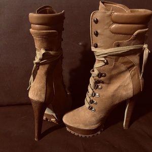 Bebe Yvette ankle tan suede boots platform laces